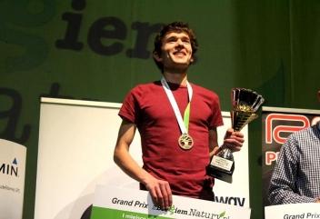 Prezentujemy nagrody dla najlepszych biegaczy